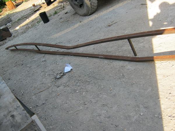 Сломанный навес