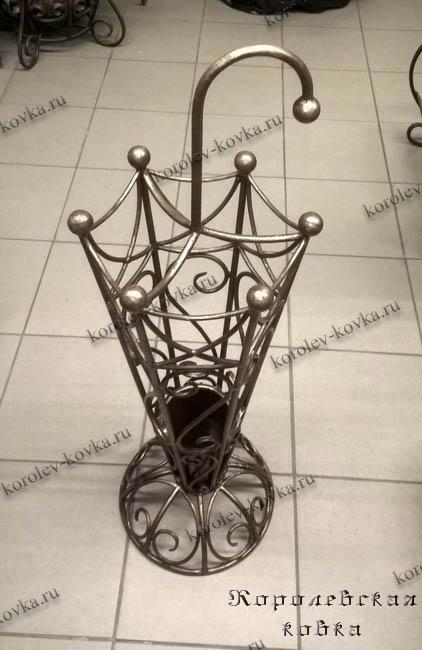 Подставка для зонтов из подручных материалов