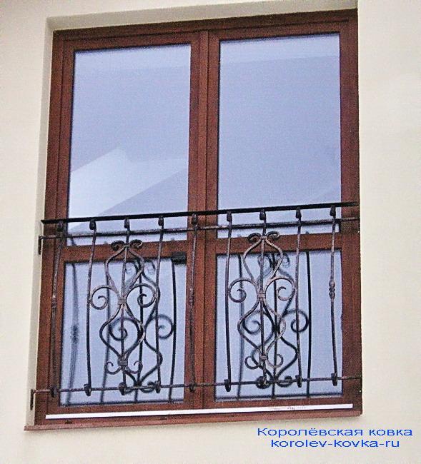 Французский балкон ковка